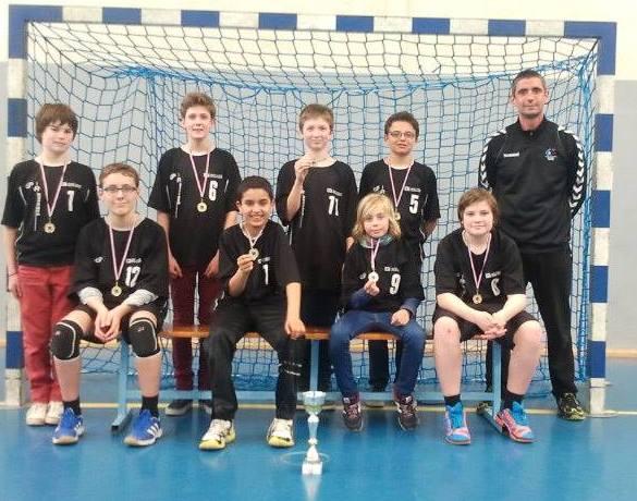 Handball-Equipe championne départementale 2014